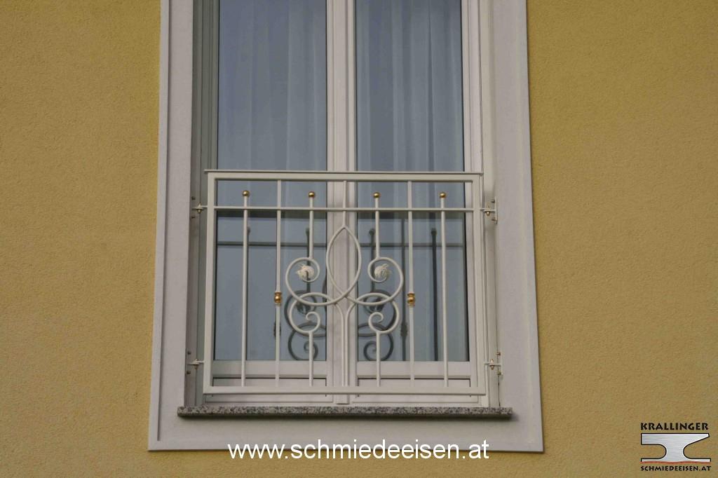 schmiedeeisen einfahrtstor tor schiebetor With französischer balkon mit gartenzaun tor maschendraht